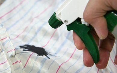 Come eliminare una macchia di inchiostro
