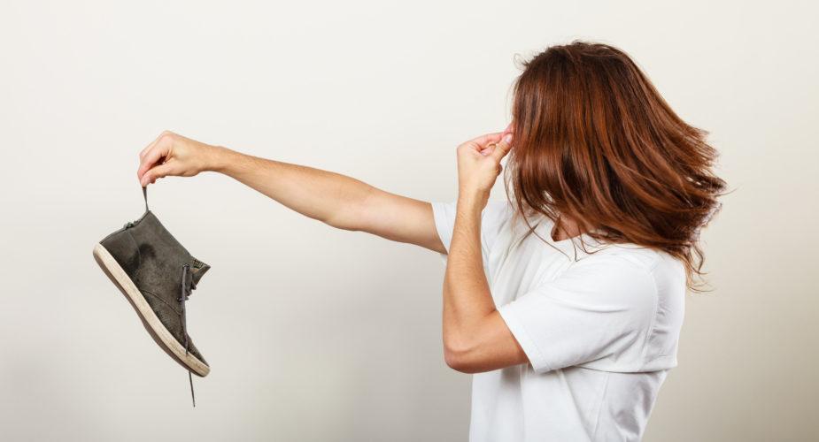 Come togliere il cattivo odore dalle scarpe?