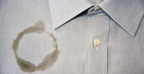 Come togliere le macchie di grasso dai vestiti