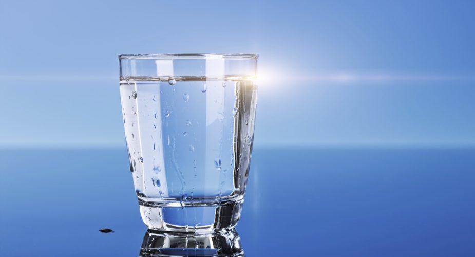 Come togliere gli aloni d'acqua dai tessuti