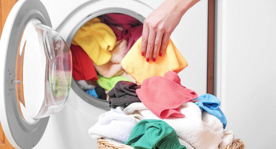 Come dividere i vestiti in lavatrice