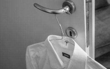 Come rimuovere le tracce del tempo dai vestiti