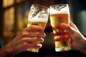 Come eliminare le macchie di birra