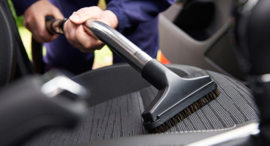 Come pulire i sedili della macchina